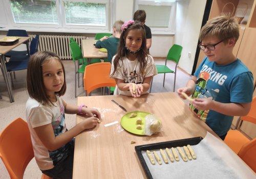 Halloweenské pečení ve školní družině - 2021